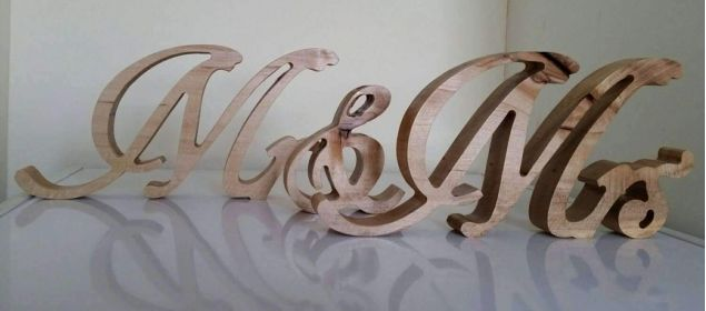 Mr & Mrs. Wedding Sign Table Decoration