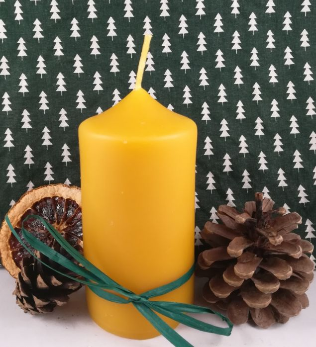 Hand-poured Beeswax Pillar Candle 9cm in Height